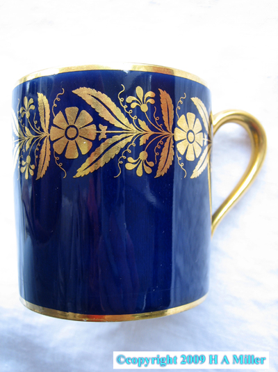 Art Deco DEMITASSE CUPS Set 4 Gold Rims Designs Inside Wash 1915