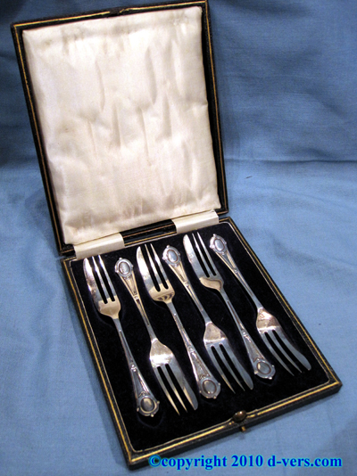 Silver Plated Cake Forks Original Box English 20th Century