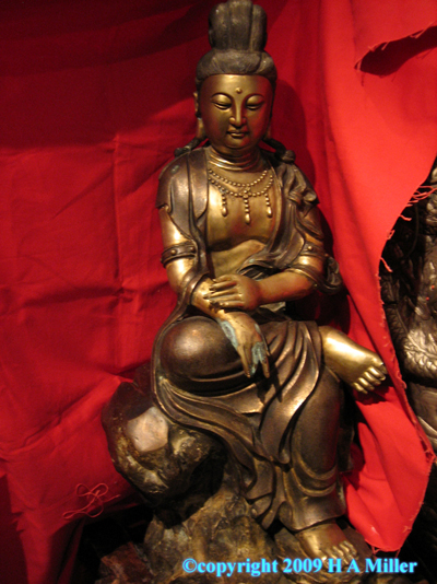 Chinese Bronze Kwan Yin Kuan Yin Goddess of Mercy Statue Seated