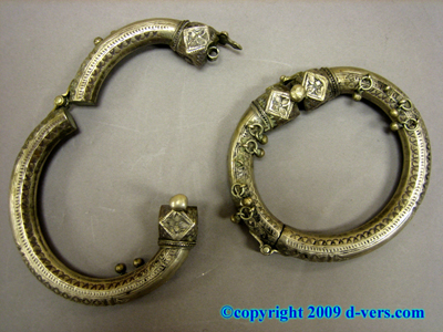 ANKLE BRACELET Pair Ethnic Tribal Arab Solid Silver