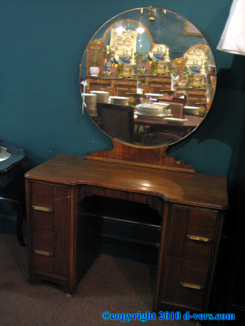 Antique Vanity With Round Mirror Antique Furniture