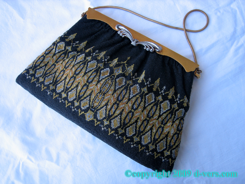 Art Deco Beaded Purse With Jet, Gold, and Silver Beads