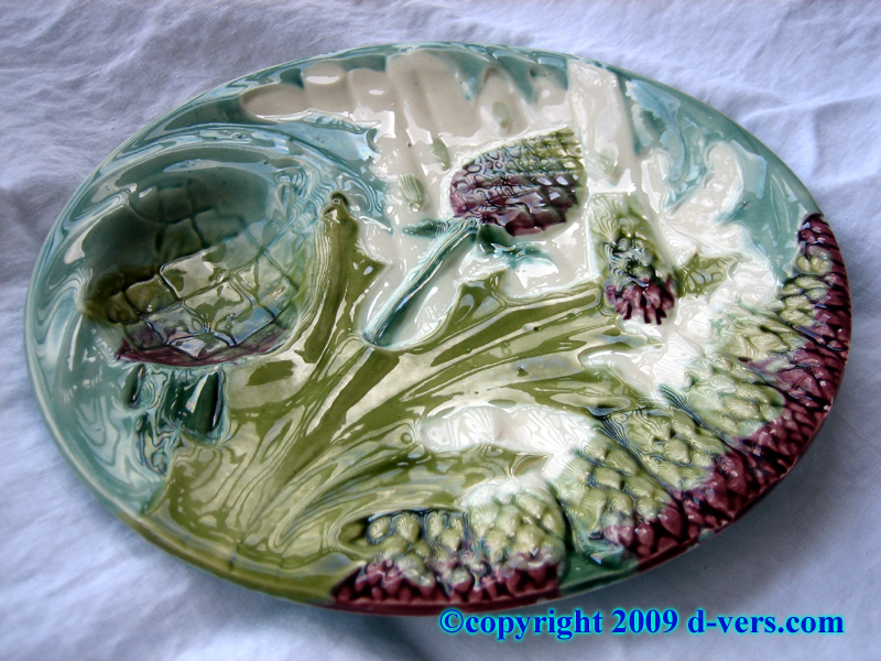 Asparagus and artichoke plate made by Majolica in France