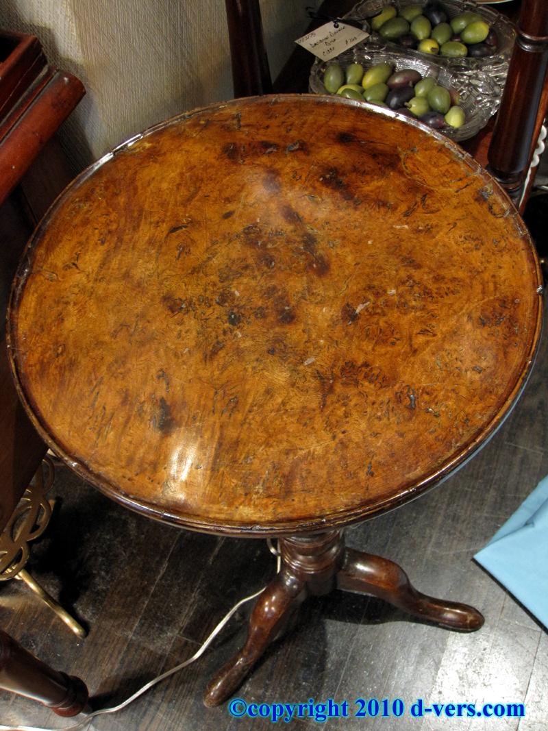 19th Century Burl Walnut Tripod PEdestal Table Georgian